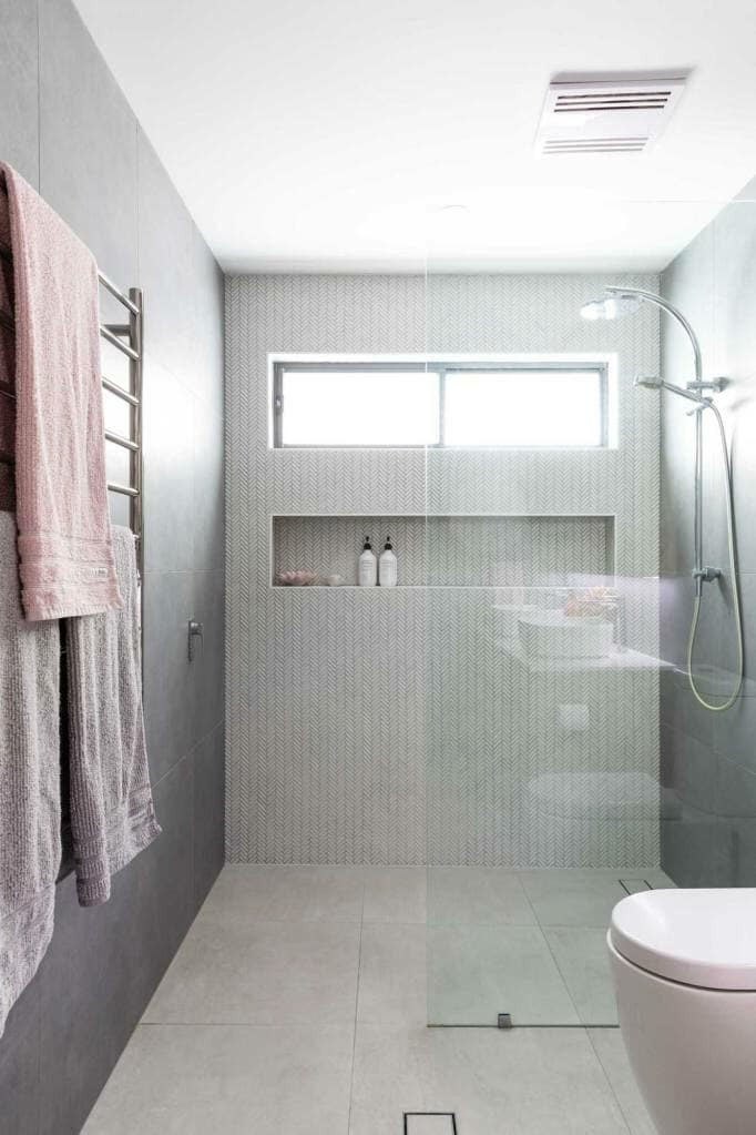 Riverview Home Family Bathroom