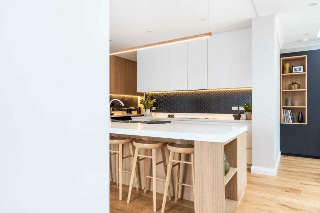 Riverview Home Kitchen, Breakfast Bar