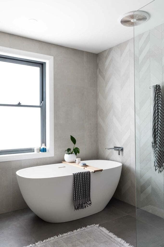 Riverview Home Main Bathroom