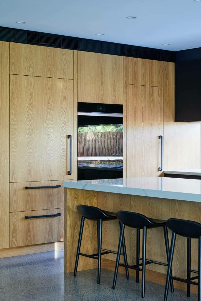 Willoughby Island and Cabinetry