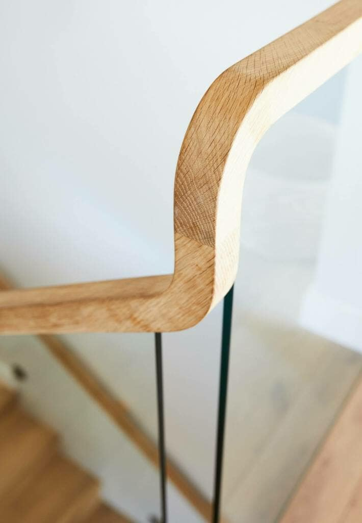 Forestville stairs oak handrail detail